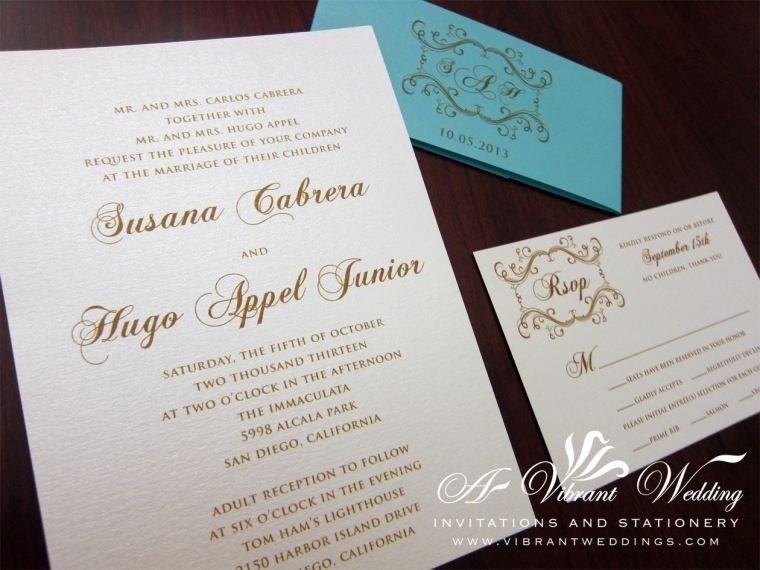 """5x7"""" Tiffany blue and Ivory wedding invitation with belly band."""